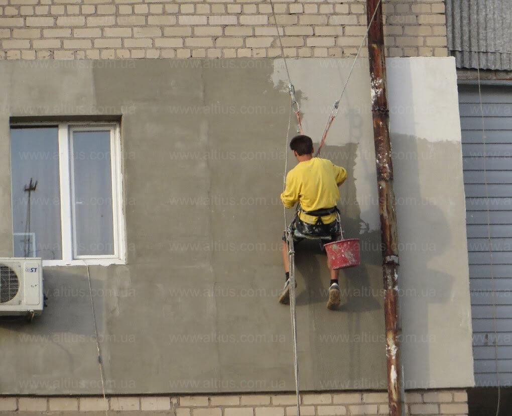 Как штукатурить стены снаружи своими руками 78